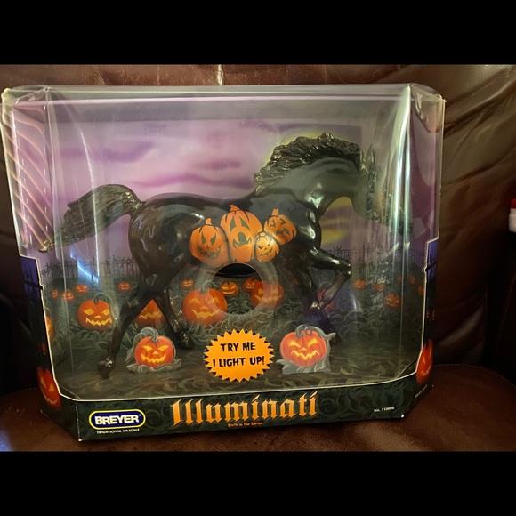Illuminati Halloween Horse.Lights up